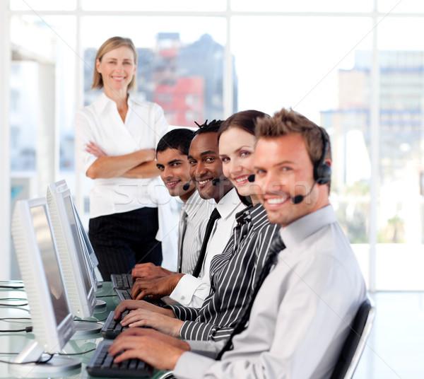 Homme leader équipe centre d'appel affaires réunion Photo stock © wavebreak_media