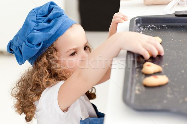 Meisje cookies home huis meisje Stockfoto © wavebreak_media