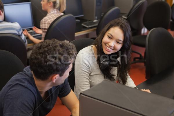 カップル 座って コンピュータ 笑みを浮かべて その他 男 ストックフォト © wavebreak_media