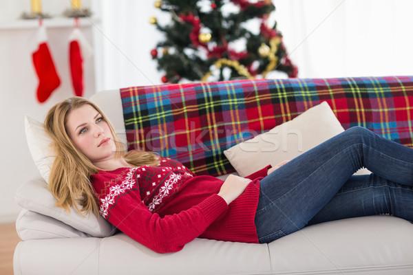 Nap álmodik fiatal nő kanapé otthon nappali Stock fotó © wavebreak_media