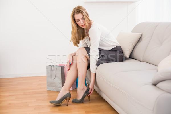 Foto stock: Bonitinho · mulher · sessão · sofá