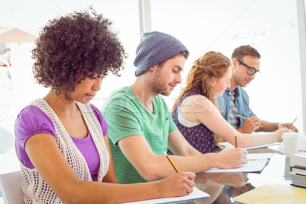 моде студентов Дать блокнот колледжей женщину Сток-фото © wavebreak_media