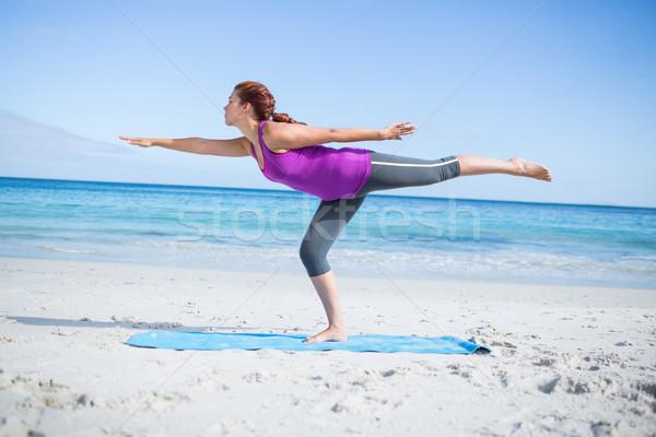 ブルネット 戦士 ポーズ ビーチ 女性 春 ストックフォト © wavebreak_media