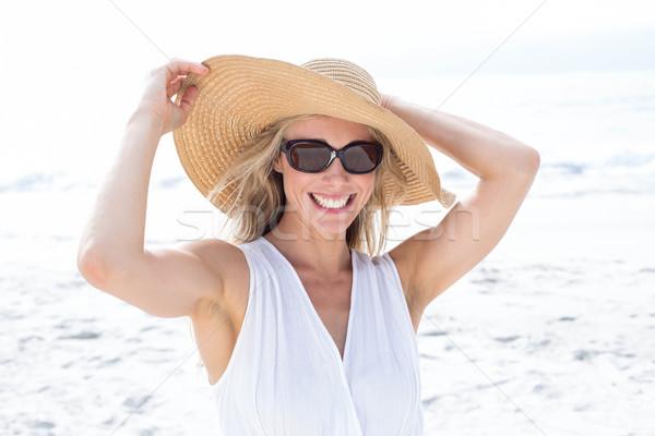 Sorridere abito bianco indossare sole occhiali Foto d'archivio © wavebreak_media