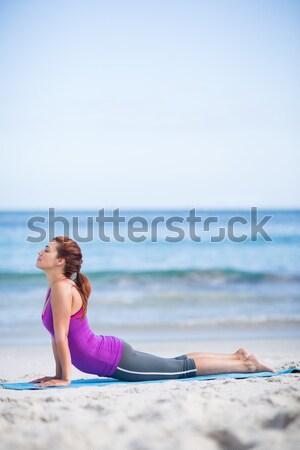 Hátsó nézet nő gyakorol jóga ül tengerpart Stock fotó © wavebreak_media