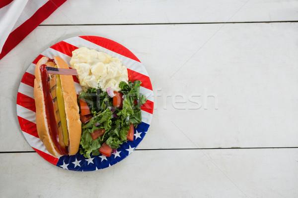 Bandeira americana cachorro-quente mesa de madeira comida vidro Foto stock © wavebreak_media