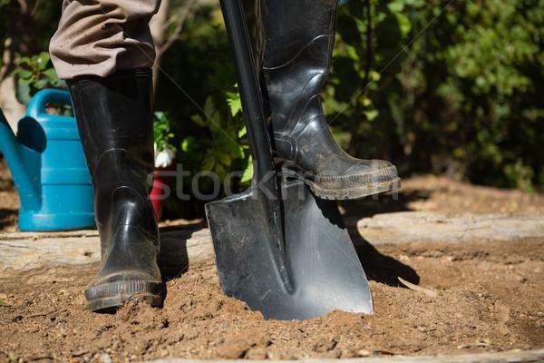 Laag man permanente schop tuin Stockfoto © wavebreak_media
