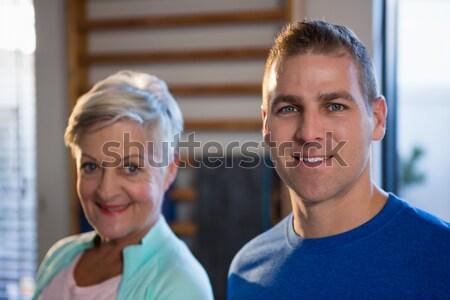 улыбаясь старший женщину клинике портрет счастливым Сток-фото © wavebreak_media