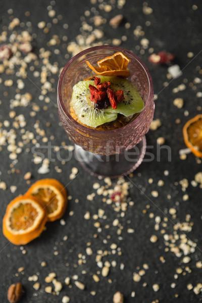 Secado frutas vidrio negro comunicación estilo de vida Foto stock © wavebreak_media