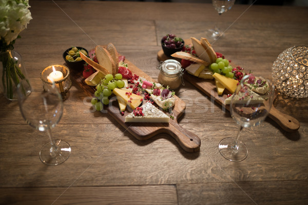 Alimentaire restaurant bois fruits Photo stock © wavebreak_media