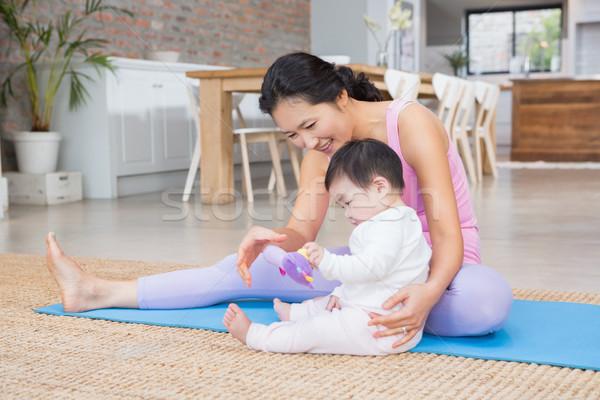 Stockfoto: Gelukkig · moeder · baby · dochter · vergadering