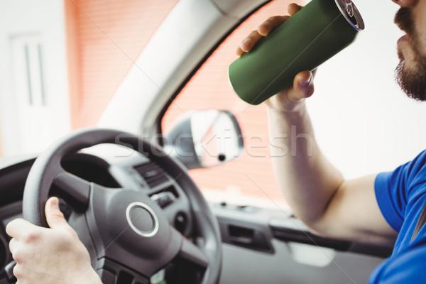 Człowiek jazdy pijany van strony piwa Zdjęcia stock © wavebreak_media