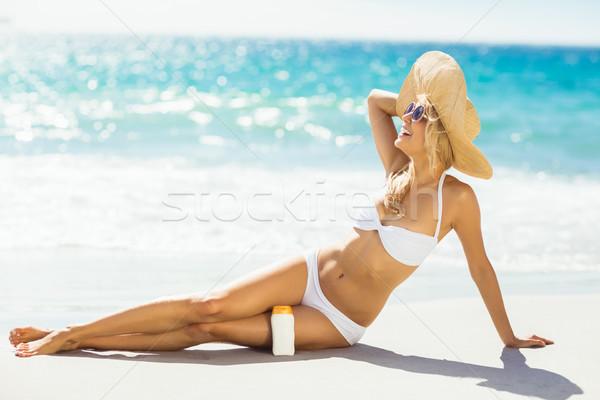 Stockfoto: Vrouw · zon · room · strand · aantrekkelijke · vrouw · poseren
