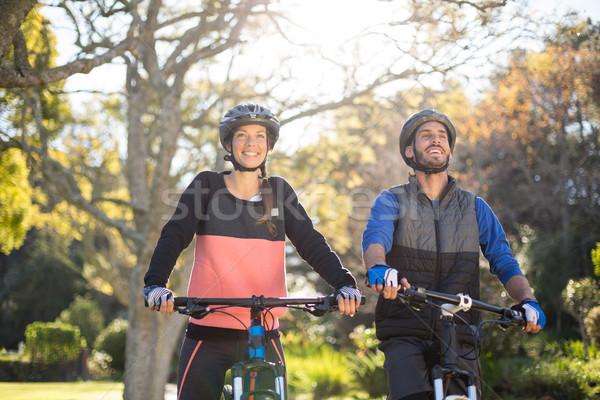 Para rowerowe uśmiechnięty kobieta Zdjęcia stock © wavebreak_media