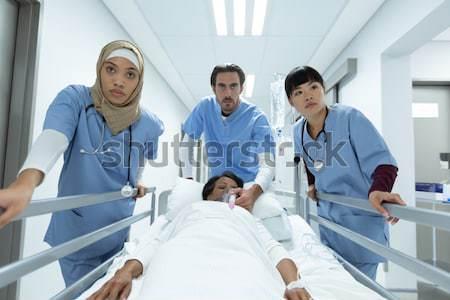 хирурги медсестры больницу интернет Сток-фото © wavebreak_media