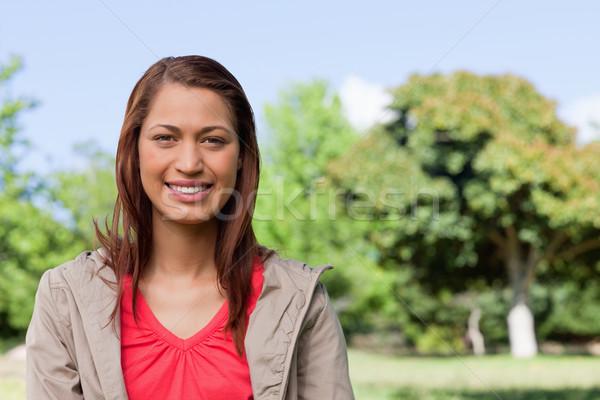 Schauen gerade vor lächelnd hellen Stock foto © wavebreak_media