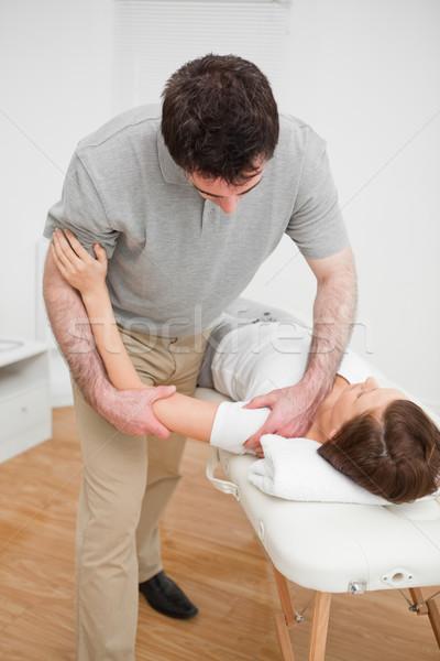 Pracy ramię pacjenta pokój ręce człowiek Zdjęcia stock © wavebreak_media