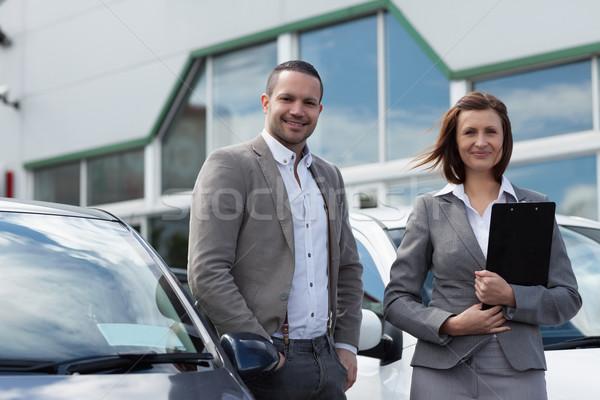 Man kopen garage vrouw werken Stockfoto © wavebreak_media