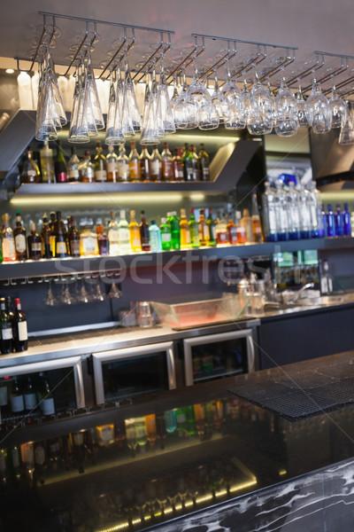 Бар Бокалы подвесной стекла Сток-фото © wavebreak_media