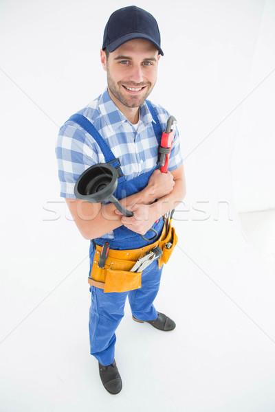 Mannelijke loodgieter sleutel portret jonge Stockfoto © wavebreak_media