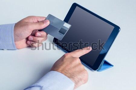 男 タブレット オンラインショッピング ショッピング クレジットカード ストックフォト © wavebreak_media