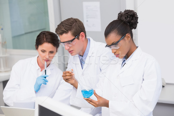 Zdjęcia stock: Zagęszczony · naukowcy · laboratorium · medycznych · notebooka