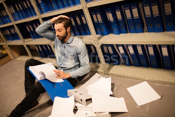 Cansado empresário documentos arquivo local de trabalho Foto stock © wavebreak_media