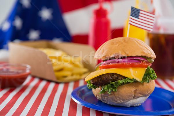 Burger decorato primo piano blu rosso Foto d'archivio © wavebreak_media