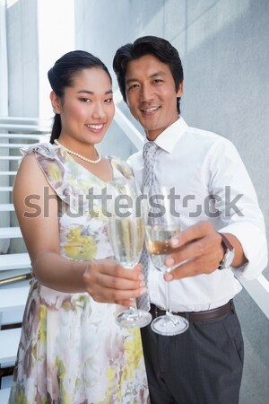 Barátok alkohol pult mosolyog férfi boldog Stock fotó © wavebreak_media