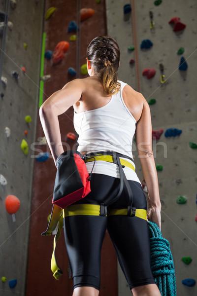 Mujer pie manos cadera fitness estudio Foto stock © wavebreak_media
