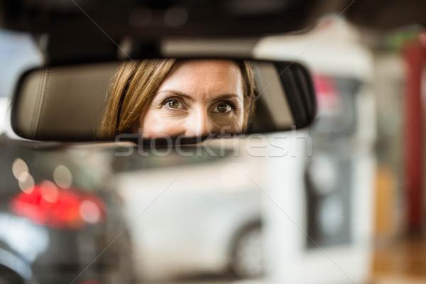 сиденье глядя зеркало Новый автомобиль выставочный зал Сток-фото © wavebreak_media