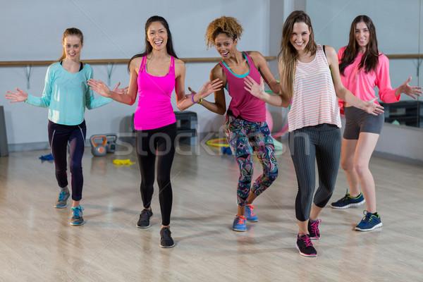 Csoport nők előad aerobik tornaterem nő Stock fotó © wavebreak_media