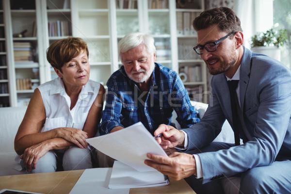 Starszy para planowania inwestycje doradca finansowy salon człowiek Zdjęcia stock © wavebreak_media