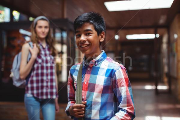 Retrato compañero de clase pie corredor escuela nina Foto stock © wavebreak_media