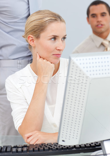 沈痛 ブロンド 女性 作業 コンピュータ オフィス ストックフォト © wavebreak_media