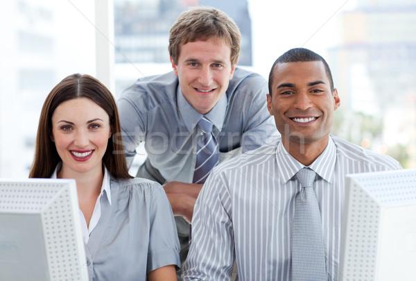 Ambiciózus üzleti csoport dolgozik számítógép iroda üzlet Stock fotó © wavebreak_media