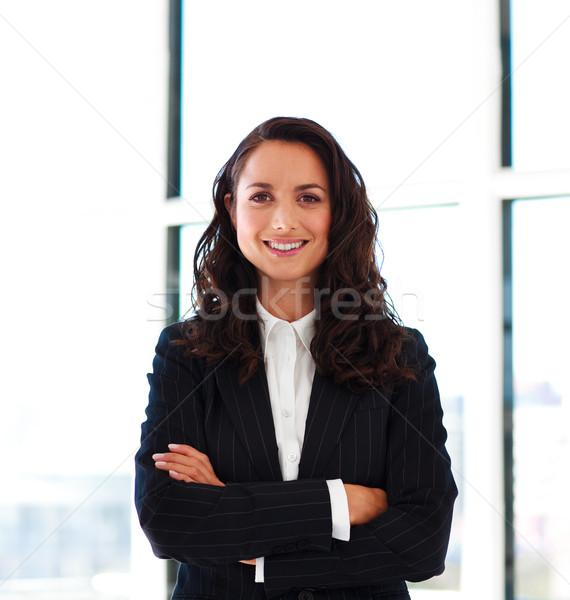 Empresária dobrado brasão escritório mulher menina Foto stock © wavebreak_media