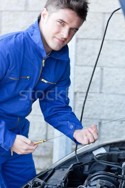 Człowiek samochodu garaż uśmiech szczęśliwy Zdjęcia stock © wavebreak_media