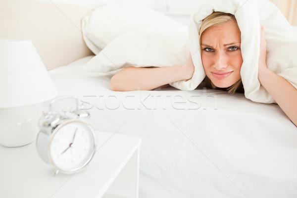 недовольный вверх спальня рук кровать Сток-фото © wavebreak_media