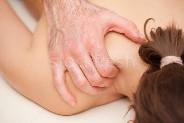 Quiroprático ombro mulher mãos Foto stock © wavebreak_media