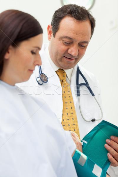 医師 周りに 腕 患者 ルーム ストックフォト © wavebreak_media