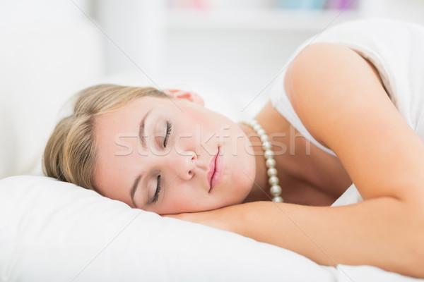 Сток-фото: спальный · жемчуга · ожерелье · белый · спальня