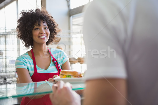 довольно официантка сэндвич клиентов хлебобулочные человека Сток-фото © wavebreak_media