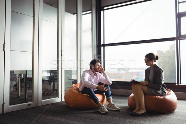 Infeliz homem falante conselheiro reunião janela Foto stock © wavebreak_media