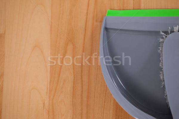 Szczotki domu czyszczenia czyste Zdjęcia stock © wavebreak_media