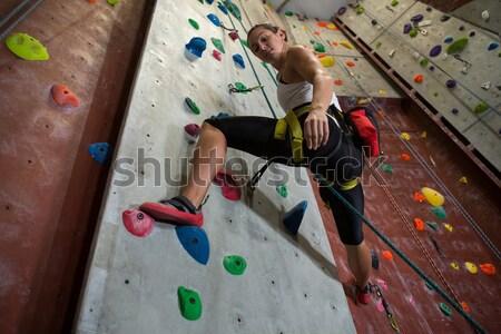 Ausbilder Junge Klettern Fitness Studio Mann Stock foto © wavebreak_media