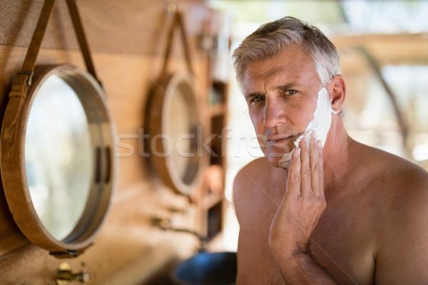 男 適用 クリーム 顔 コテージ サファリ ストックフォト © wavebreak_media