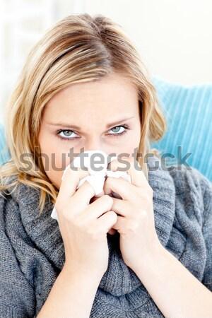 Jovem ocultação boca suéter cidade mulher Foto stock © wavebreak_media
