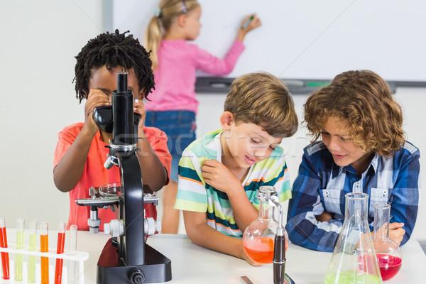 Crianças experiência laboratório escolas tecnologia educação Foto stock © wavebreak_media