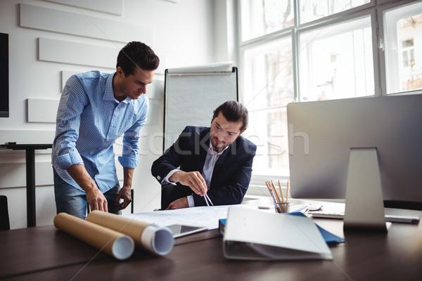 Decorador de interiores de trabajo plan masculina oficina Foto stock © wavebreak_media